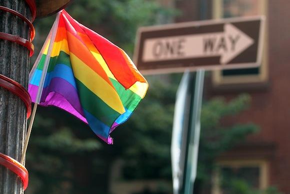 ABUSO INFANTIL Y TRASTORNOS ALIMENTICIOS EN HOMBRES GAYS YBISEXUALES